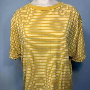 Brandy Melville fall tshirt